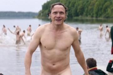 war and peace nudo